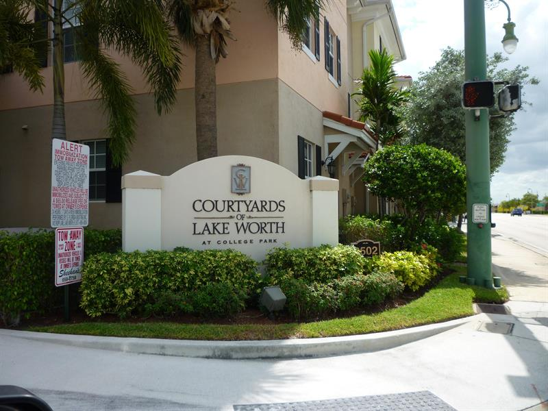 Courtyards-Of-LakeWorth